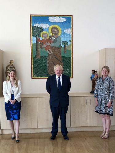 Julia Lopez with Boris Johnson and Mrs Matthews